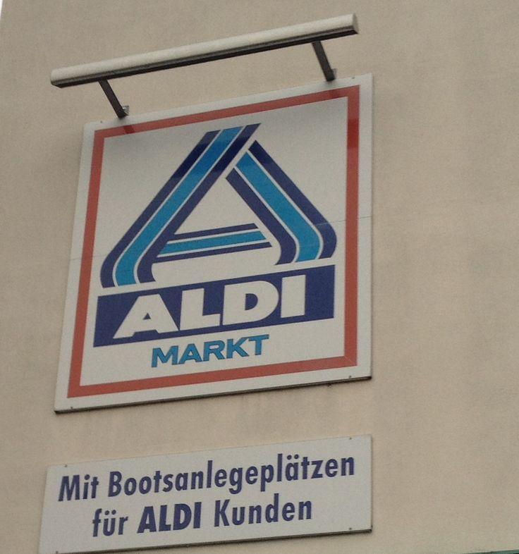 Aldi Markt mit Bootsanleger
