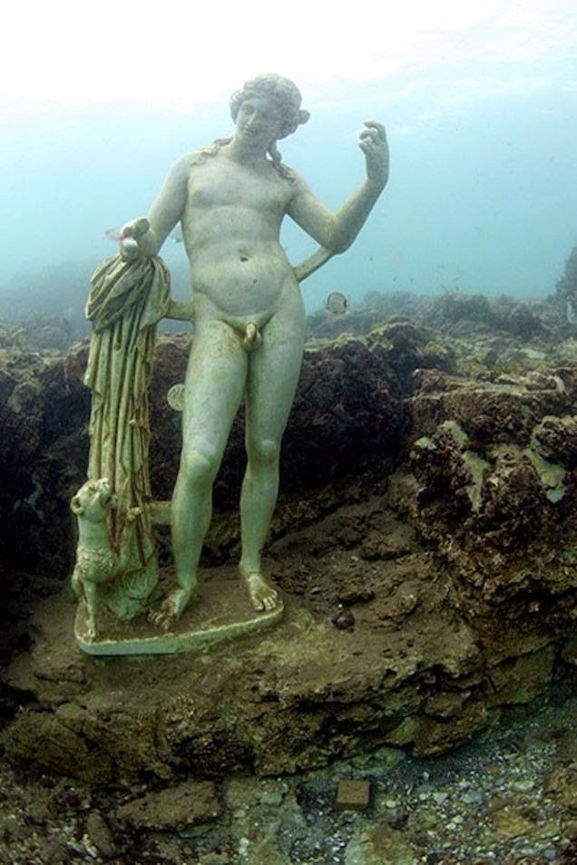 9 deslumbrantes cidades submersas - Campania, Itália.
