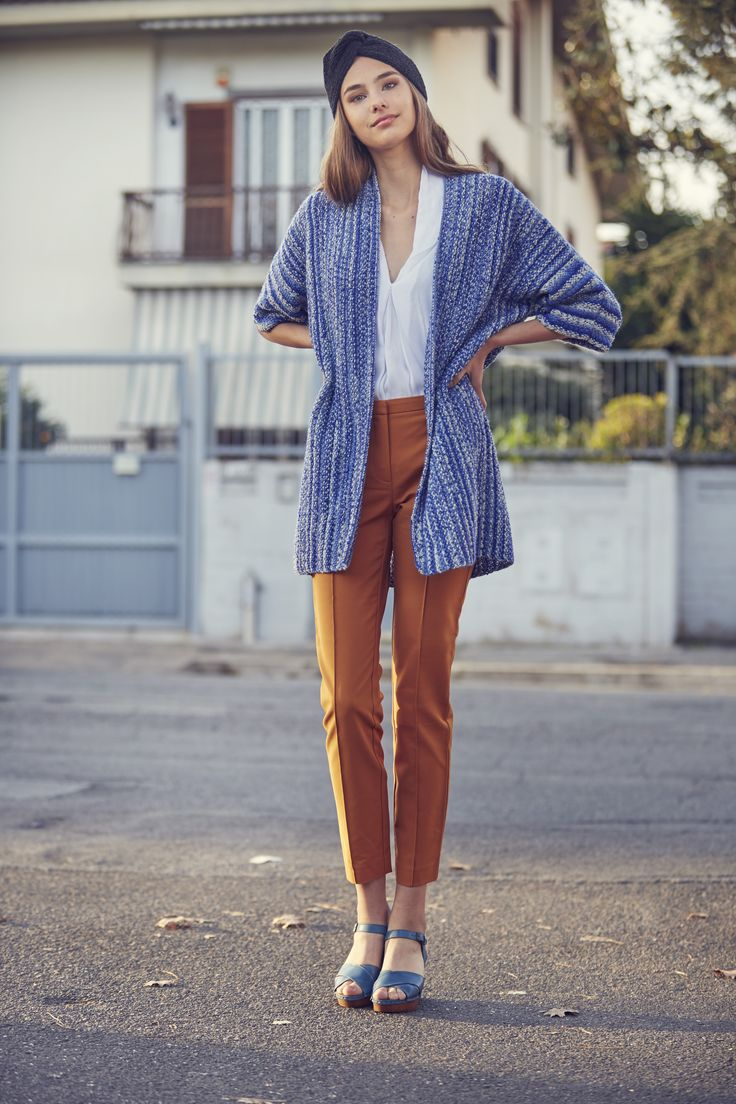 Naisen poikittain neulottu takki Novita Nalle Garden | Novita knits