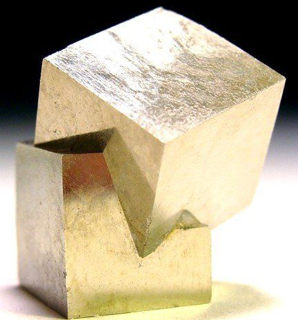 cubes: Crystals, Rocks On, Irons Pyrite Minerals, Minerals Friends, Cubes Minerals, Minerals Stones Cryst, Irons Pyrit Minerals, Pyrit Cubes, Pyrit Twin