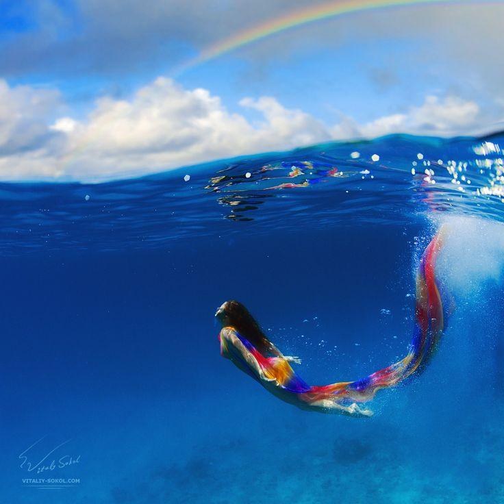 Rainbow: Swimming Underwater, Mermaids Photography, Red Sea, Rainbows Mermaids, Art Photography, Air Bubbles, Underwater Photography, Beauty Models, Color Fabrics