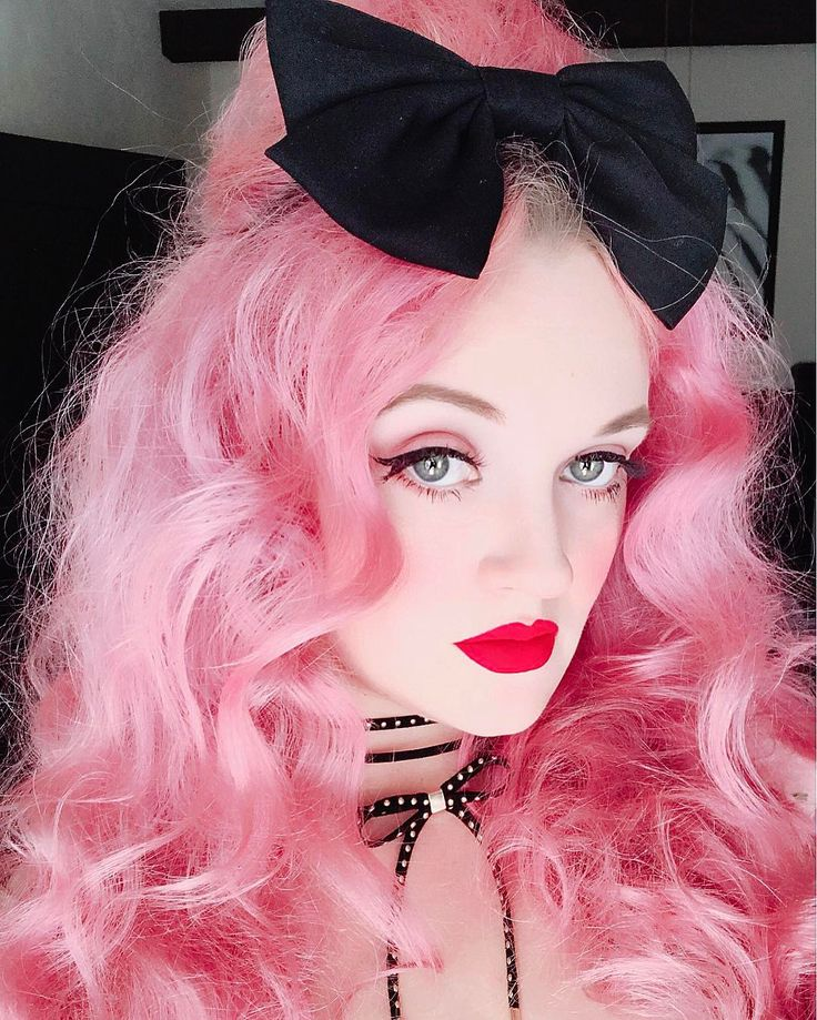 "2,174 Likes, 21 Comments - 🌸Katie Rose🌸 (@thedisneylandprincess) on Instagram: ""Thanks for watching my LIVE Stream of my puffy hair! Off to High Tea with the…"""