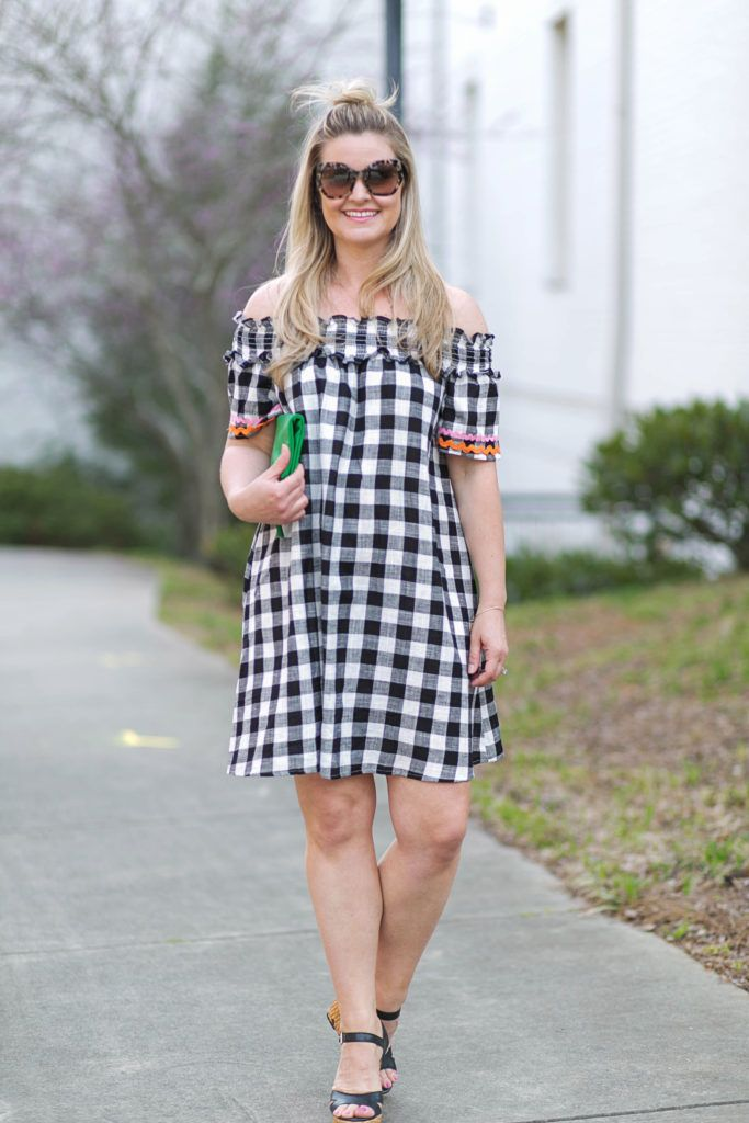Cute gingham off the shoulder dress that is perfect for a casual brunch or fun date night.