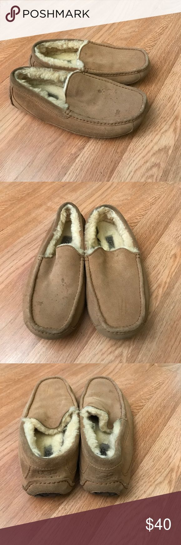 Ugg men's slippers size 8 In good condition very comfortable UGG Shoes