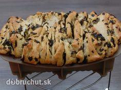 Fotorecept: Prekladaný špaldový chlieb s medvedím cesnakom