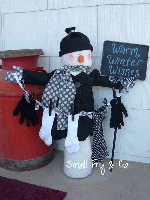 outdoor snowman for the porch- tutorial