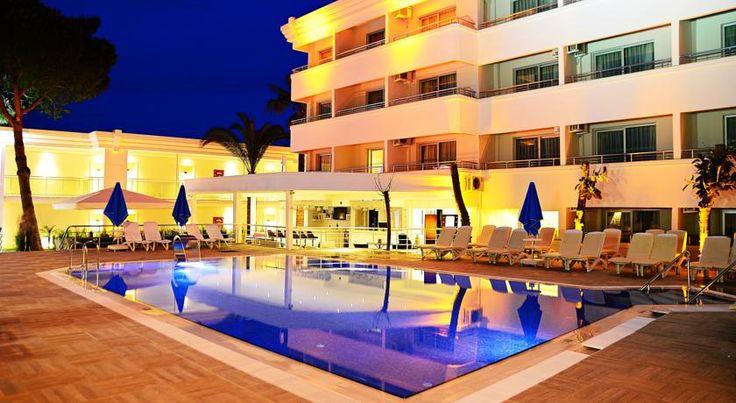 Отель Banu Hotel Luxury типа «постель и завтрак» расположен в 50 метрах от моря в городе Мармарис. К услугам отеля Banu гостей бар и открытый/детский бассейны.  В номерах есть балкон и подключено кабельное телевидение. Среди удобств также чайник и бесплатные туалетно-косметические принадлежности и фен.  На всей территории предоставляется бесплатный Wi-Fi. Стойка регистрации работает круглосуточно.