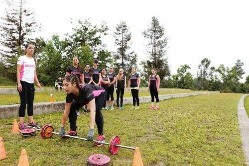 Entrenamientos funcionales para hombres y mujeres utilizando diferentes herramientos de las diferentes disciplinas deportivas para buscar el mejor resultado segun sus necesidades por genero