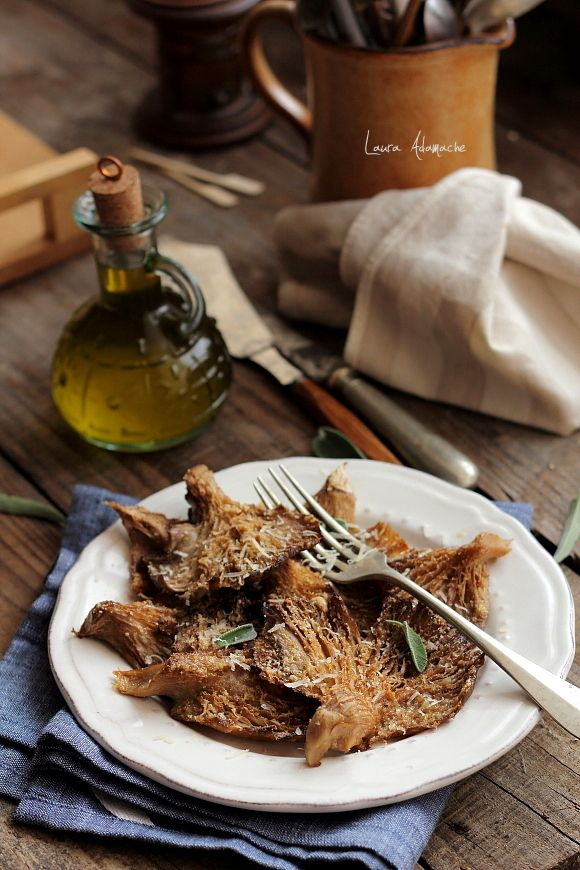 Pleurotus mushrooms baked in the oven (with panko and just a sprinkle of olive oil). Ciuperci pleurotus la cuptor. Reteta ciuperci pleurotus la cuptor. Ciuperci pleurotus gratinate reteta. Reteta ciuperci.