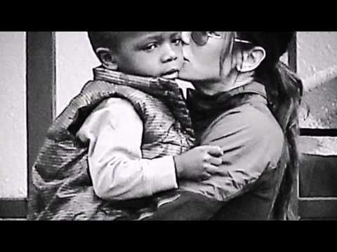 Sandra Bullock & Louis Bardo Bullock -Sweet baby- - YouTube