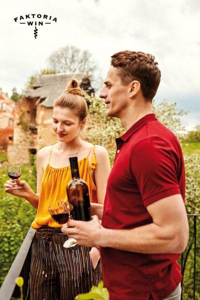 Niewinne przyjemności we dwoje. #faktoriawin  #lunchtime #narandke #wplenerze #wine #goodtime #garden #ogrod #lato #natura #wedwoje #smakwina