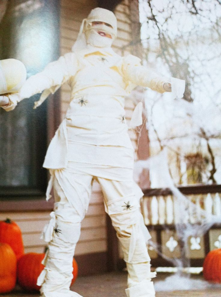 how to make a mummy costume out of gauze