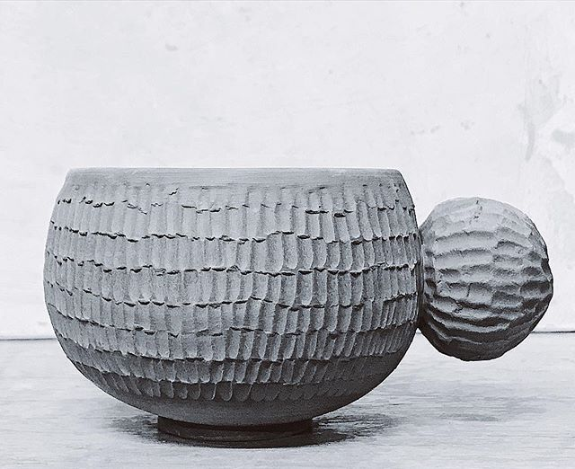 Cup oddity . Wheel thrown black porcelain carved. (Green ware) . #makingforthesakeofmaking  #tamaragomezstudio #coffeecup #tableware #porcelain #spiritinspired #makersmovement #craftanddesign #madewithlove #thehandmademovement #turningearth #turningearthuk #handmadeceramics #pottery #londonmakers #crafts #craftmansship #madeinlondon #ceramicart #cremerging #londonmade #clay #makerspace #eastlondon #makermovement #createcultivate #madenotbought #ceramics #madeincommunity