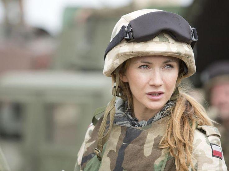 Kobiety w militarnym ujęciu - Sadistic.pl