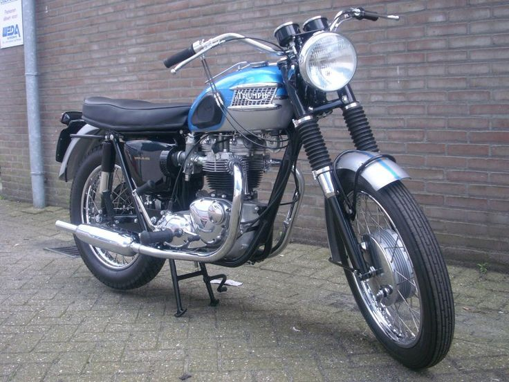 17 best images about triumph on pinterest bikes triumph for Construction bonneville