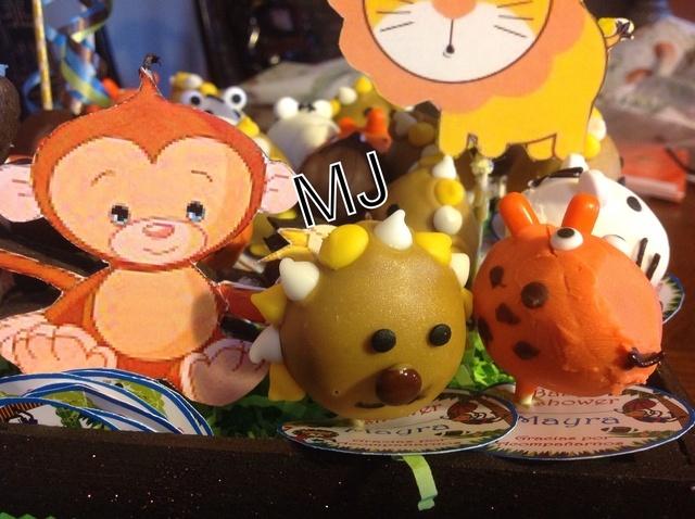 Paletas de Animales cake pops. Ver la receta http://www.mis-recetas.org/recetas/show/39019-paletas-de-animales-cake-pops