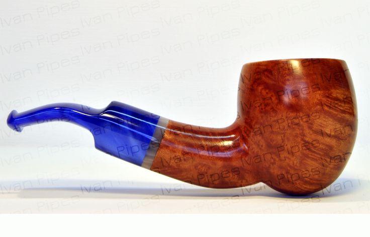 Briar pipe with blue stem