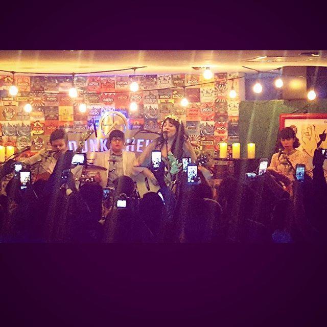 Gracias por tan bella noche llena de amor acá en Pachuca!!!! Corearon fuertísimo! Y gracias a JANDRO por compartir escenario conmigo en esta gira @jandromx #AmorSupremoDesnudo #CircuitoIndio