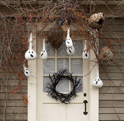 Scary Outdoor Halloween Decorations And Silhouettes_04