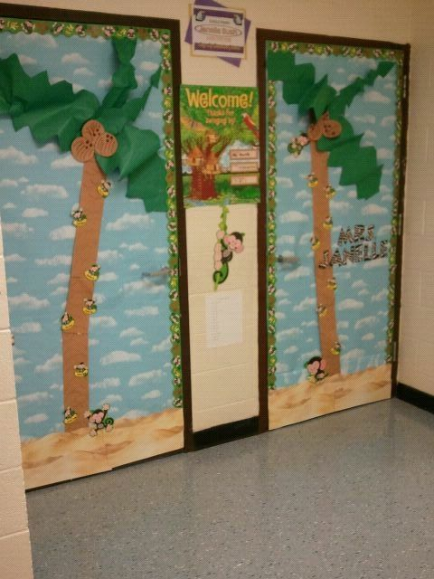 Jungle Theme Classroom Decorations Have Monkeys With Bananas On