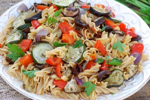 Roasted Veggies and Banza Chickpea Pasta -