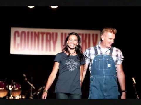 Joey + Rory - Born To Be Your Woman...absolutely beautiful song :)