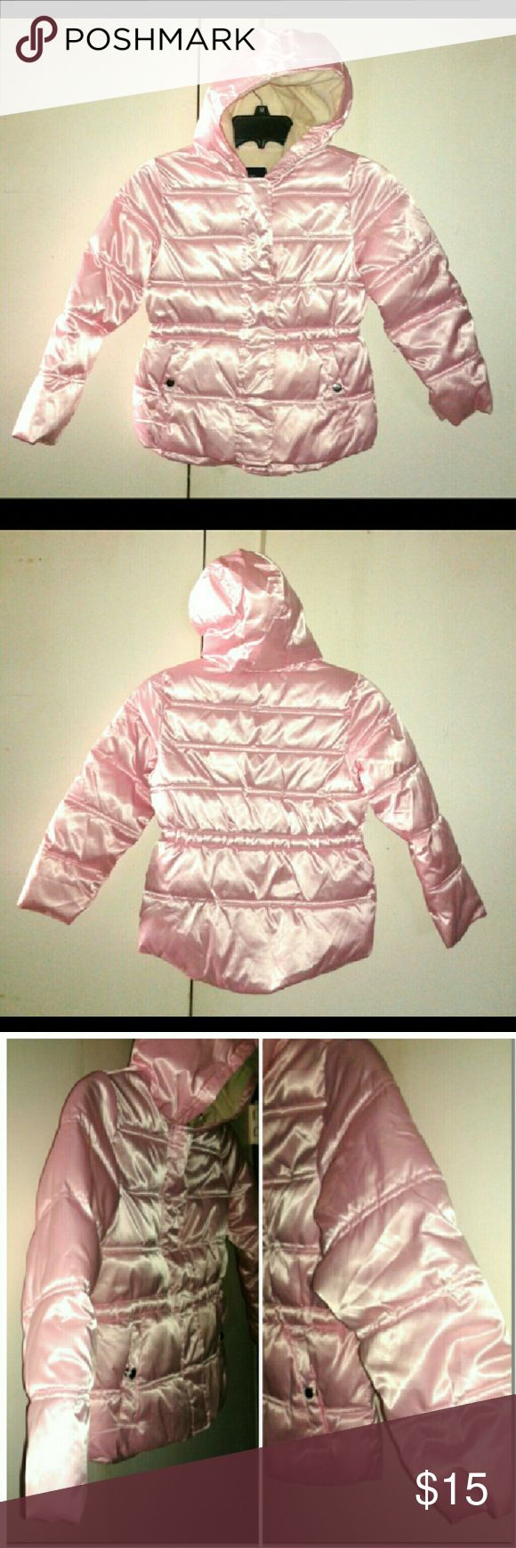 FADED GLORY PUFFER JACKET LITTLE GIRL'S SIZE S/6X BUNDLE 2 OR MORE & SAVE 30% UPON CHECKOUT GENTLY USED WELL STORED IN GREAT FUNCTIONAL CONDITION I HAVE TONS OF ITEMS SO DETAILS ARE IN THE ?'s & COMMENT SECTION TO AVOID Cx PLS ASK ME TO DOUBLE CHECK B4 PURCHASING I SELL ON OTHER APPs & THE DAY CAN GET HECTIC? I ANSWER?'s 6:30AM-8:30PM PT WHN I'M NOT DRIVIN ?'s AFTER 8:30PM WILL BE ANSWERED NXT DAY THANKS FOR YOUR INQUIRY & HOPE Y'ALL HAVE A GREAT DAY  ;) Faded Glory Jackets & Coats Puffers