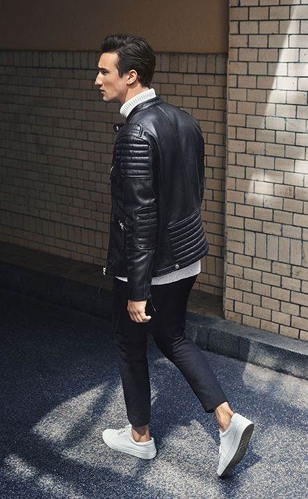 Marcel Floruss for PREMIUM by JACK & JONES - Get the look! black lamb jacket, grey pullover, black sweat pants, white leather trainers