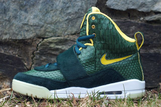 NIKE AIR YEEZY 1 CUSTOM BY JBF (OREGON DUCKS) - Sneaker Freaker