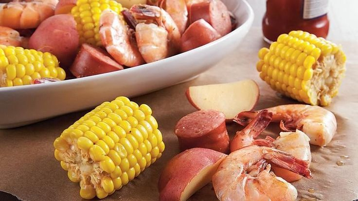 Come home to a slow cooked hearty dinner featuring sausage, shrimp, potatoes and Green Giant® Nibblers® corn-on-the-cob – a classic summertime meal.