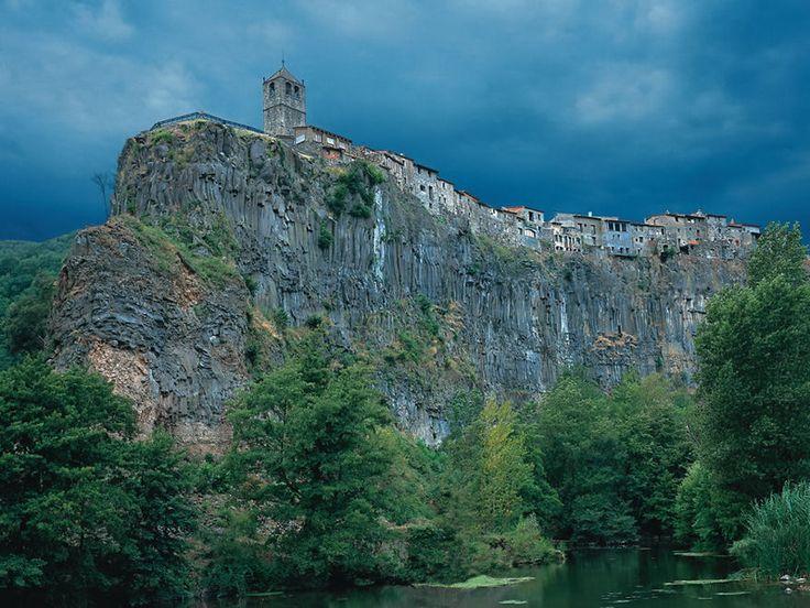 Castellfollit de la Roca, Spania