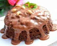"""Предлагаю вам испечь очень вкусный шоколадный кекс на сметане и растительном масле. Кекс получается мягким и влажным, просто тает во рту. Его можно приготовить на основе какао или порошка типа """"Несквик"""". Кекс готовится очень просто, все продукты доступные. Отличная выпечка для домашнего чаепития!"""