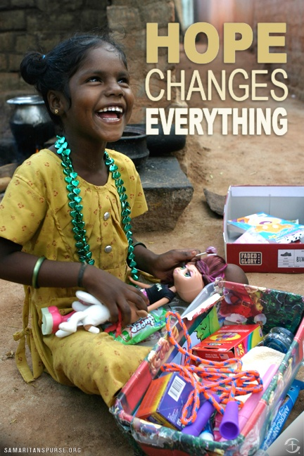 Hope changes everything.Christmas Child Shoebox, Shoes Boxes, Operation Christmas Child, Boxes Ideas, Shoebox Christmas, Samaritan Purses, Christmas Shoebox, 101 Operation, Shoebox Ideas