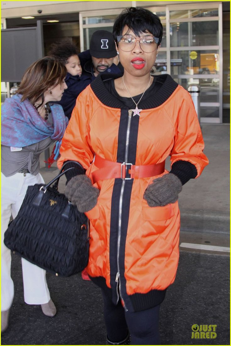 Jennifer Hudson and David Otunga arrive at DCA with their son David on January 18, 2014