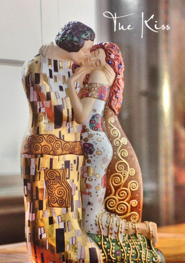 "Goegel: figura en porcelana de ""El beso"" Gustav Klimt"