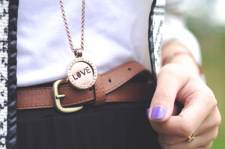 #NikkiLissoni LOVE necklace in rose gold @temporarysecretary