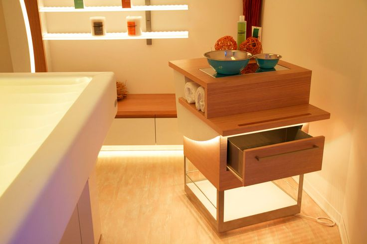 Calido - Trolley for SPAs, wellness and beauty centres