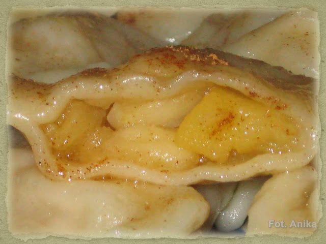 Domowa kuchnia Aniki: Pierogi z jabłkami