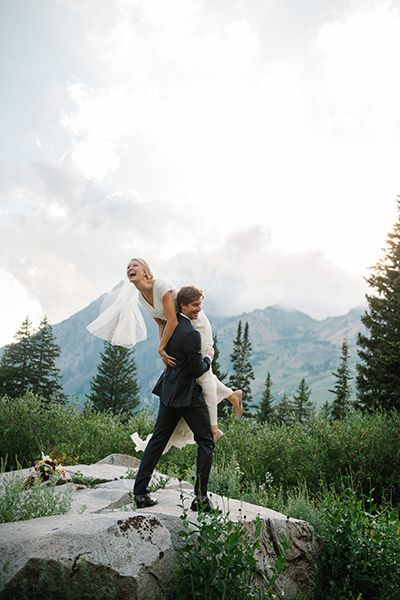 Absolutely precious wedding photo set against a beautiful mountain backdrop | Brooke Schultz Photography