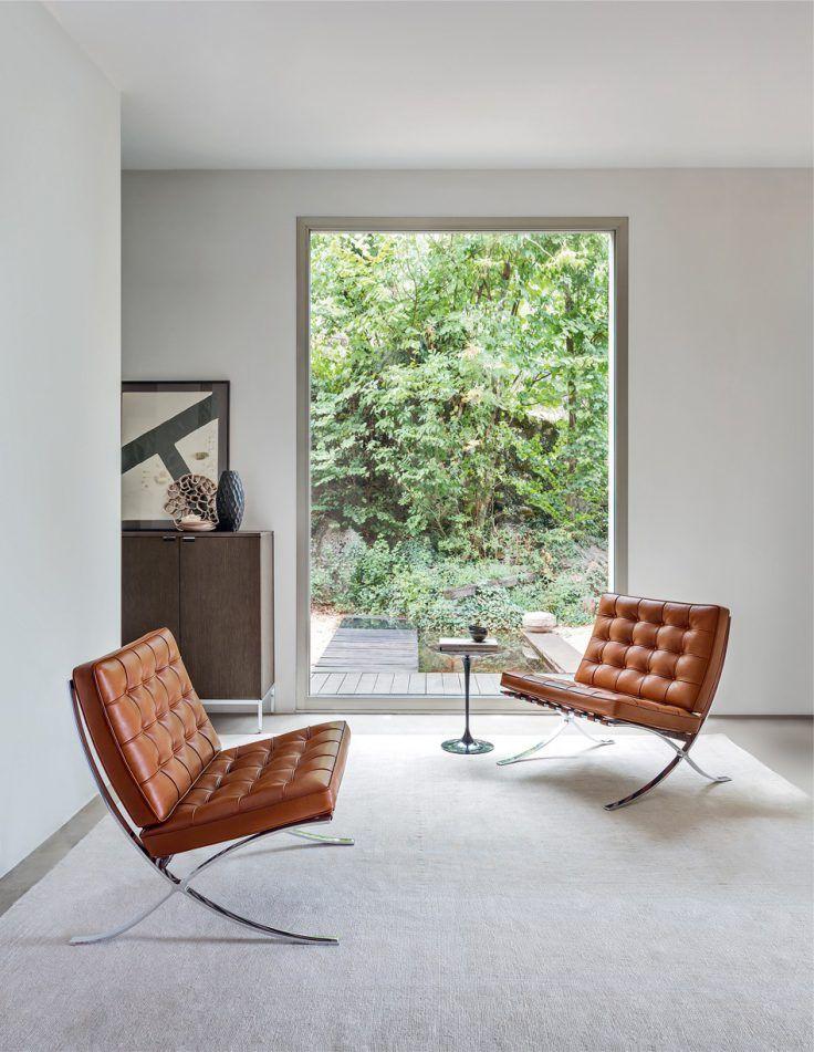 Design 15 Fauteuils Iconiques Qui Nous Font Rever En 2020 Fauteuil Design Chaise Barcelona Mobilier De Salon