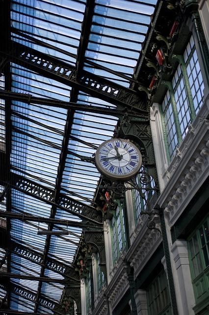 Pour un taxi en Gare de Lyon / Lyon Train Station, 20 Boulevard Diderot, Paris XII. ou pour un taxi à l'aéroport de Lyon tel : 06 17 98 07 39 http://www.expresstaxi.fr
