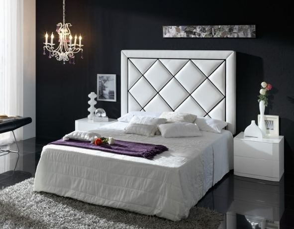 Lit capitonn bed for Medidas cama matrimonio estandar