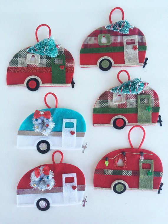 Felt Vintage Camper Ornament.  Colors: Red, Burlap, Xmas tree  Perfect to decorate the tree or to decorate a package.    *Sale is for ornament