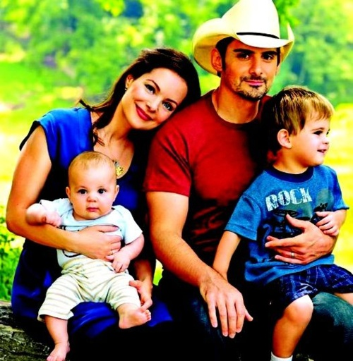 Brad Paisley with his lovely wife Kim and their boys Huck & Jasper