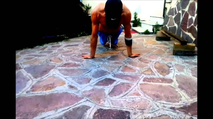 Pseudo Planche Push Ups Muscles involved chest, shoulders, triceps and core. Exercise great to make the full planche push ups and fortify bravvia more calisthenico, most backward placing hands, the greater the difficulty. #15sec #15secworkout #workout #pushups