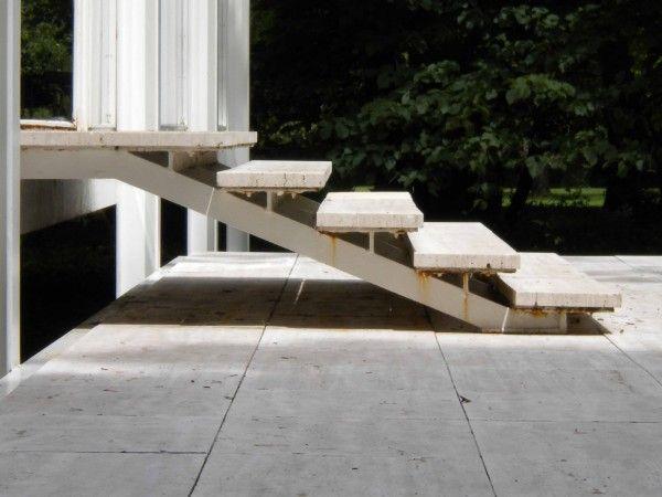 Stairs_Farnsworth Mies Van der Rohe