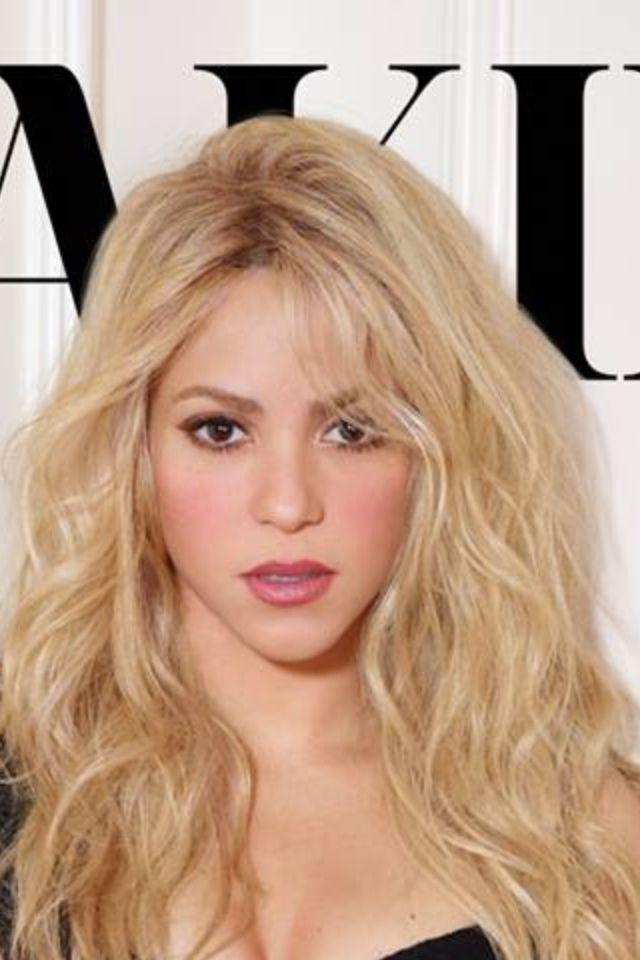 Shakira Blonde Hair 2016