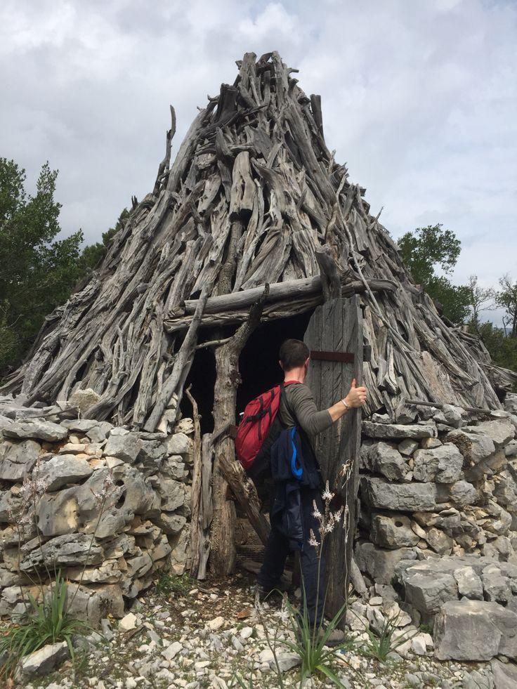 Pinettu - Capanna tipica del Supramonte.  #sardegna #supramonte #orgosolo #pastori #montagna #treking #escursioni
