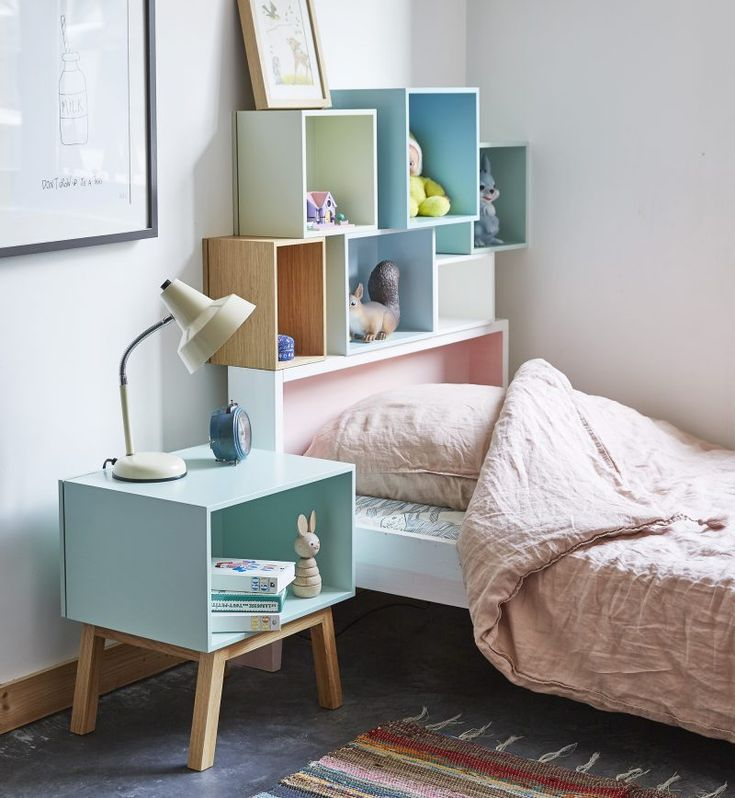 Best 25 table de chevet enfant ideas on pinterest nurserie de bois lampe - Etagere modulable ikea ...