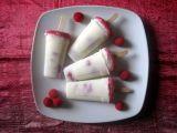 Ghiaccioli di yogurt e lamponi
